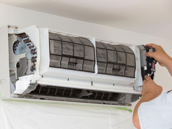 Igienizzare-condizionatore-casa-contro-virus